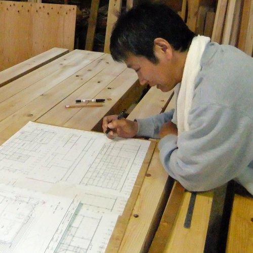 大工さんの加工場・刻屋での作業が始まりました!_b0112557_23172690.jpg