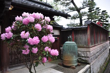 近江中山道 五箇荘から豊郷へ_e0164563_9535789.jpg
