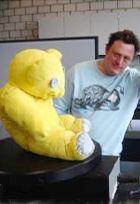 ニューヨークに巨大テディ・ベア・アート作品展示中、前向きな感情をもたらす効果も?_b0007805_10181067.jpg