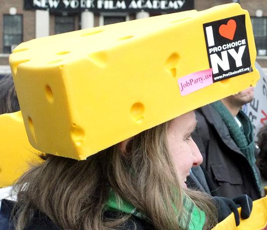 じわじわとアメリカの民主主義を感じさせるニューヨークの街角風景_b0007805_21325492.jpg