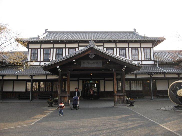 駅舎_c0051620_8411451.jpg
