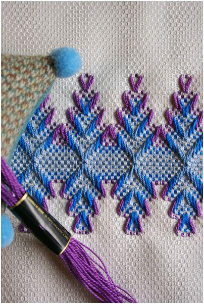 スウェーデン刺繍! あぁ~、なつかしいね。_f0012154_10504474.jpg