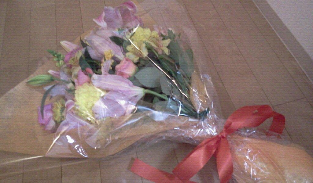 お花レッスンと毎月のお花たち_f0031554_20252615.jpg
