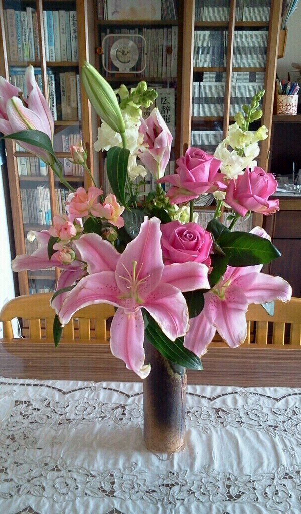 お花レッスンと毎月のお花たち_f0031554_20255288.jpg