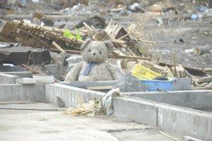 2回目の被災地訪問 ⑥ 物資を届ける_f0088456_256477.jpg