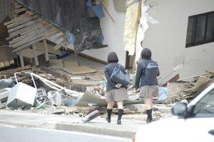 2回目の被災地訪問 ⑥ 物資を届ける_f0088456_2572094.jpg