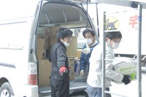 2回目の被災地訪問 ⑥ 物資を届ける_f0088456_33362.jpg