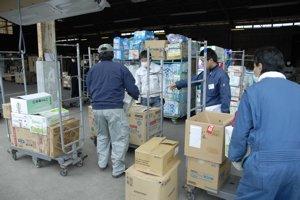 2回目の被災地訪問 ⑥ 物資を届ける_f0088456_3434100.jpg