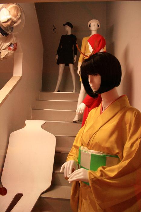 黄金の顔~EXPO\'70パビリオン_b0168840_23173973.jpg