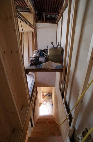 階段付きました!_f0115152_16595799.jpg