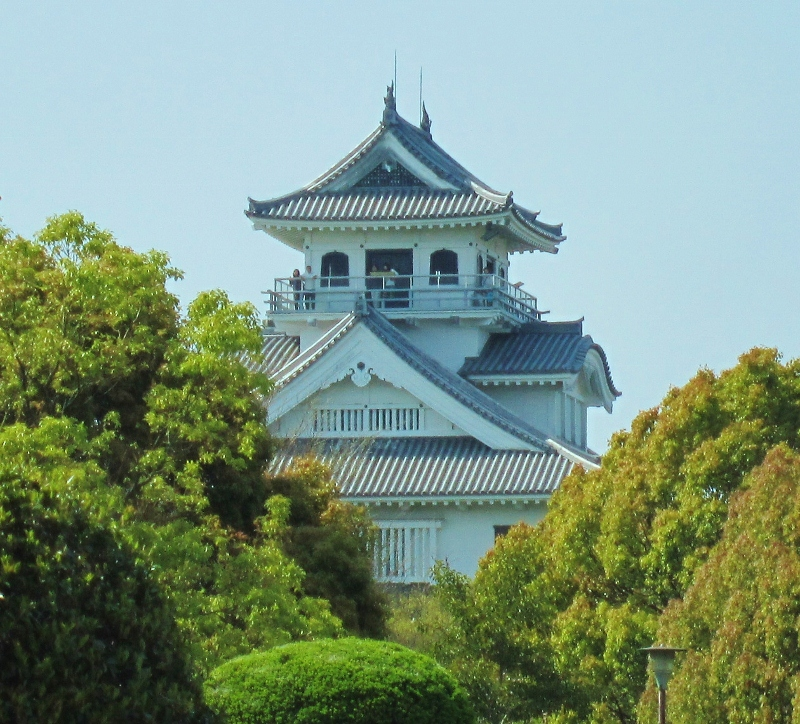 琵琶湖と長浜城_b0083801_16484682.jpg
