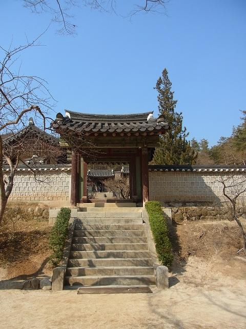 韓国の学問所 陶山書院_d0116009_3473120.jpg
