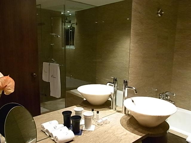 Les Suites Taipei Ching Cheng リピート確実に納得_b0219778_23143486.jpg