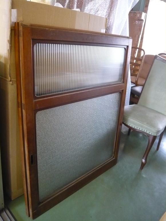 50年前の書棚と旧家の硝子戸が出会って_d0224984_23495655.jpg