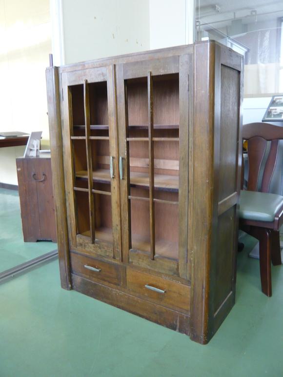 50年前の書棚と旧家の硝子戸が出会って_d0224984_23531815.jpg