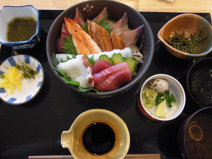 山口食い倒れの旅~角島の海鮮丼~_b0206085_823413.jpg