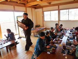 「森のベジカフェ」へ食事に〜そして震災…_c0214657_8501117.jpg