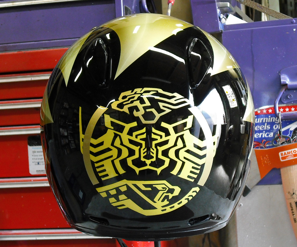 無地のヘルメットがラトラーターコンボにチェンジした。_d0130115_20372610.jpg