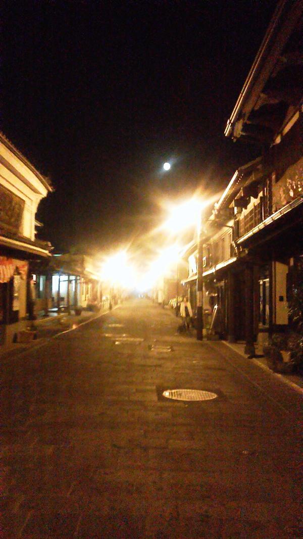チェレステ楽団と、城下町を照らす満月_a0174458_11374230.jpg
