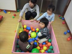 くま組 ボールプールで遊びました_c0151262_12481548.jpg