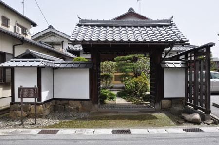近江中山道 豊郷から高宮宿へ_e0164563_1153486.jpg