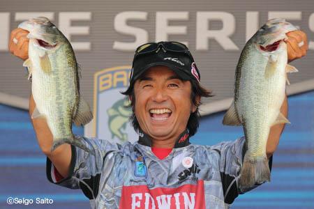 Bassmaster Elite Series #6 Lake Murray 初日_a0097491_659475.jpg