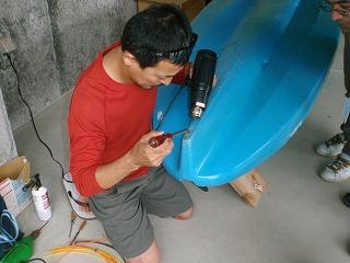 カヌーの修理_f0121321_13112578.jpg
