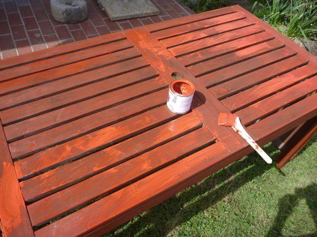 ガーデンテーブルの塗り替え_b0054727_18535341.jpg