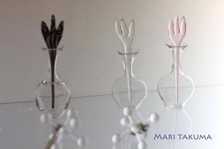 詫摩まりさんのglass展は明日(15日)まで〜_e0158653_0582855.jpg
