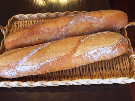 のっぺりなフランスパン_e0167593_23512417.jpg