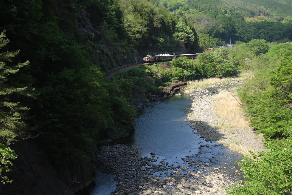 迫る山影 - 2011年・わたらせ -_b0190710_21244142.jpg