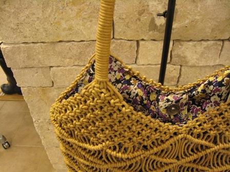 カシェリエのマクラメ編みバックです。_c0227633_21501536.jpg