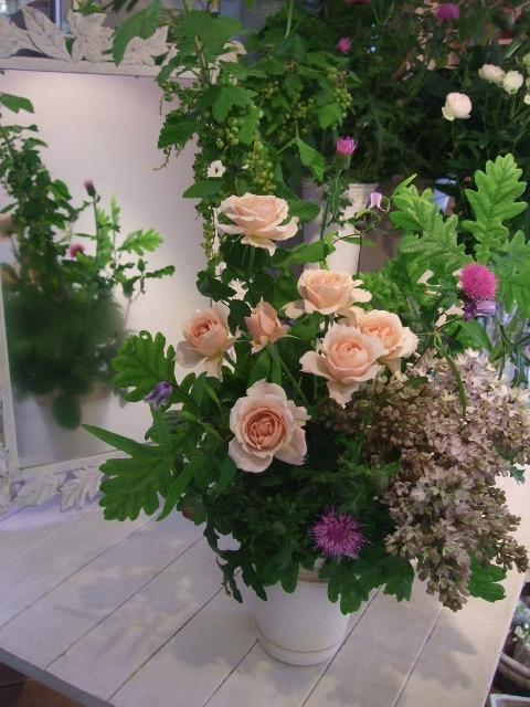オークリーフ花の教室(加田さんと磯崎さんの作品)_f0049672_16192364.jpg