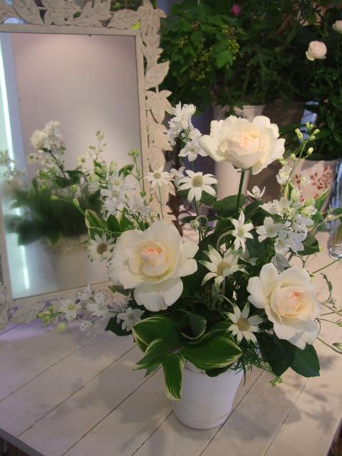 オークリーフ花の教室(加田さんと磯崎さんの作品)_f0049672_16282925.jpg
