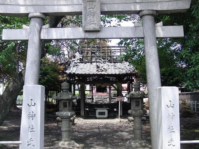 荒田島(吉原)山神社が全焼_f0141310_7282482.jpg