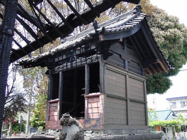 荒田島(吉原)山神社が全焼_f0141310_7285621.jpg