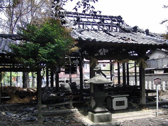 荒田島(吉原)山神社が全焼_f0141310_7292179.jpg