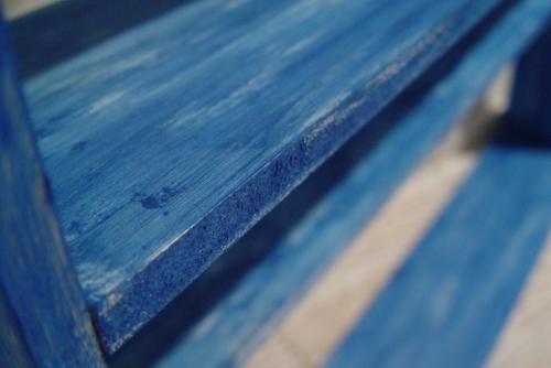 青いペンキの棚・完成!!_a0096367_21511846.jpg