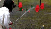 水消火器で的あてゲーム(2)