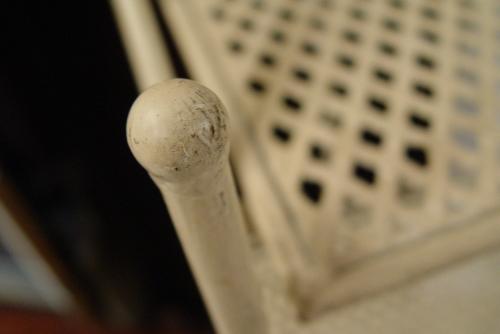 白いペンキ・アイアンの棚2種類入荷!!_a0096367_21211636.jpg