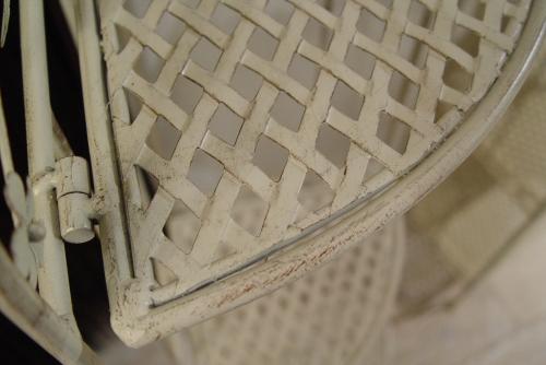 白いペンキ・アイアンの棚2種類入荷!!_a0096367_21221985.jpg