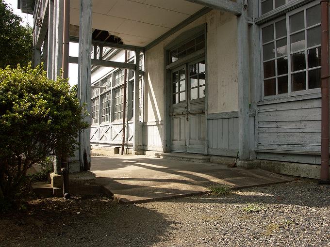 勝間田高校校友会館(旧勝間田農林学校本館)_f0116479_2211357.jpg
