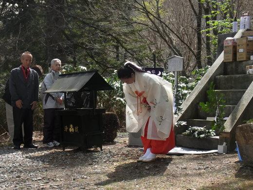 飛騨高山 位山での巫女舞ご奉納_a0088827_16443274.jpg