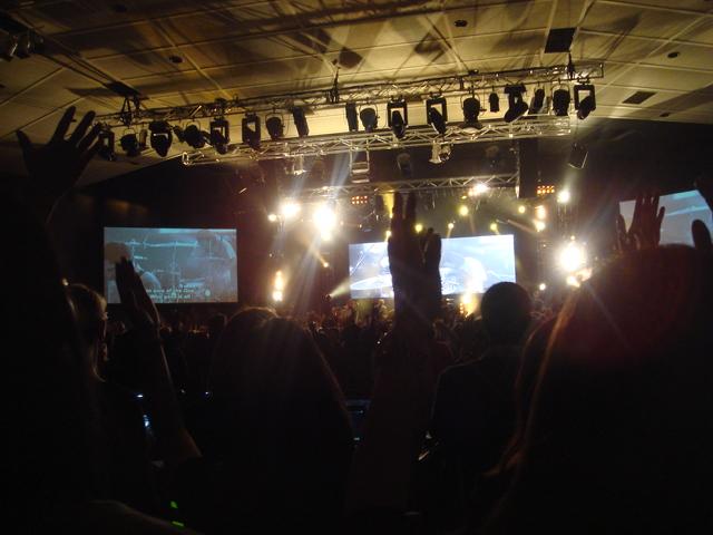 Hillsong concert_f0234165_11354941.jpg