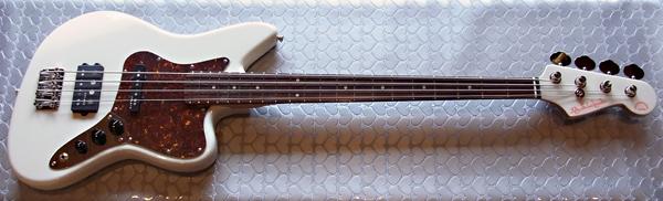 「Stone WhiteのPsychomaster Bass 6本目」が完成〜!_e0053731_1825444.jpg