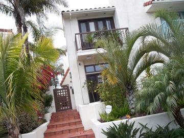 素敵過ぎるビーチハウスその1@サンディエゴ_e0183383_1828917.jpg