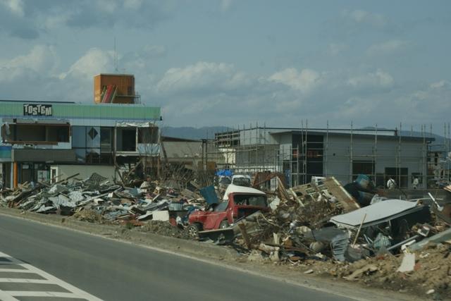 気仙沼、南三陸町、三陸の復旧、そして復興に向かって・・・・(82)_d0181492_14481225.jpg