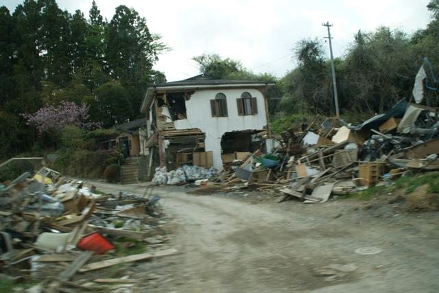 気仙沼、南三陸町、三陸の復旧、そして復興に向かって・・・・(82)_d0181492_1449828.jpg