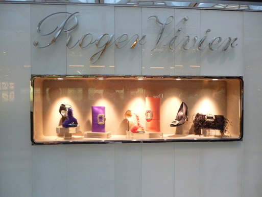 Roger  Vivier  Hong Kong Shop Report_b0210699_224184.jpg