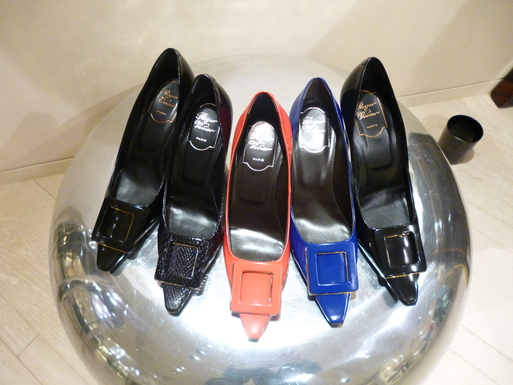 Roger  Vivier  Hong Kong Shop Report_b0210699_22472984.jpg